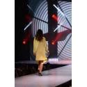 Sweter Kalila żółty symetryczny