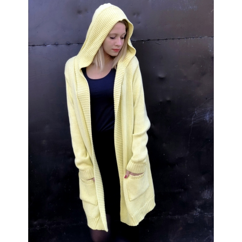 Sweter z kapturem żółty